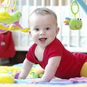 Почему не надо помогать ребенку двигаться: 2 истории