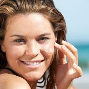 Солнцезащитный крем: какой выбрать для города и отдыха на море?