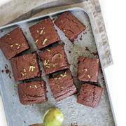 Рецепты для 1 сентября. Шоколадный кекс и брауни с собой в школу