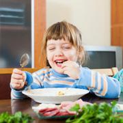 Чипсы вместо обеда. Как контролировать питание ребенка: 9 способов