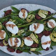 Готовим по-новому: 2 рецепта. Свинина вместо колбасы и теплый салат