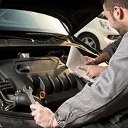 Счастье – в ремонте: почему мужчины любят чинить машины, а женщины – штопать носки