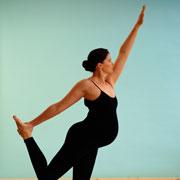 Вместо прыжка с парашютом — йога для беременных и конкурс красоты