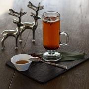 Горячие напитки: чай, ягоды, пряности. Как согреться без алкоголя