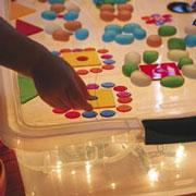 Вместо рисования песком: световой стол, соль и коллажи своими руками
