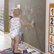 На чем рисовать ребенку? 4 поверхности для зимних рисунков