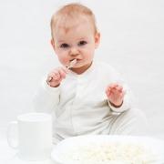 Как развивается ребенок от 1 до 2 лет: уход, питание, поведение, речь