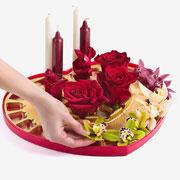 Что подарить девушке на 14 февраля – цветы или конфеты? Все сразу!
