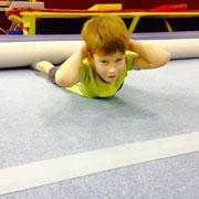 Ребенок не любит физкультуру? Задание на лето: гимнастика для детей