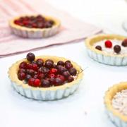 Открытый пирог с ягодами – черникой, черной смородиной: 3 рецепта