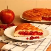 Рецепты выпечки: пирог с яблоками и брусникой, маффины с шоколадом