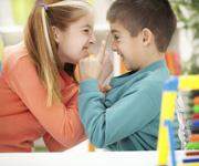 Ревность между детьми: 7 советов для родителей