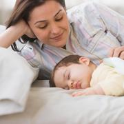 10 причин усталости молодых мам - и что делать