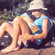 Кидался книжками в 3 года – теперь читает каждую свободную минуту