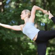 Как йога помогает стать спокойным и здоровым