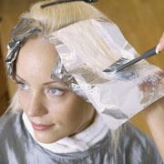 Как покрасить обесцвеченные волосы в темный цвет