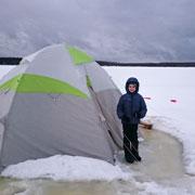 Поляева Елена: Зимняя рыбалка – приключение для ребенка в Конаково