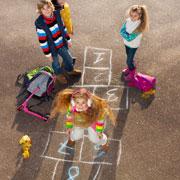 Как играть в классики: 5 вариантов игры нашего детства