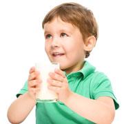 Какое молоко давать ребенку старше года? Важный разговор