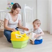 Когда и как правильно приучать малыша к горшку