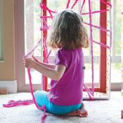 Полчаса свободы для мамы: чем занять ребенка в год, в 3 и 5 лет?