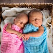 Как правильно воспитывать двойняшек
