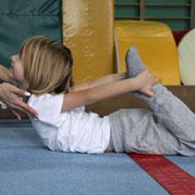 Гимнастика в домашних условиях: 13 упражнений для детей