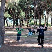 Лиза Арье: Детский домик из стремянки и веревочный парк – на даче своими руками