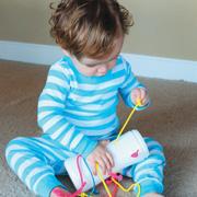 Чем занять ребенка в 1 год в машине? Развивающие игрушки своими руками