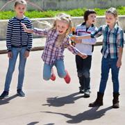 Как отпустить ребенка играть на улицу: 9 шагов для родителей