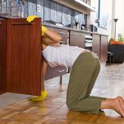 Как сэкономить место на кухне: кухонные шкафы и ящики