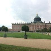 Достопримечательности Берлина: Берлинская стена и дворец Сан-Суси