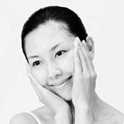 Как делать массаж лица: 6 приемов японского массажа