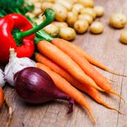 Как хранить морковь, лук, чеснок. Правила хранения картофеля и свеклы