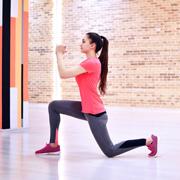 Как похудеть в бедрах и подтянуть ягодицы: 5 упражнений