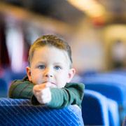 Чем занять ребенка в дороге? Список игр и игрушек