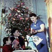Новый год по-советски: елка в клубе, самодельные костюмы и сибирские пельмени