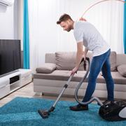Больше всего женщины не любят уборку. Как порадовать жену?