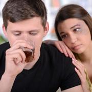 Не воспитывайте эти 8 качеств в своих детях – чтобы не стали алкоголиками