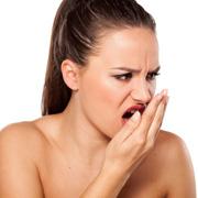 Запах изо рта: что делать? Почему изо рта плохо пахнет