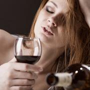 Почему женский алкоголизм не лечится: 7 фактов и мифов
