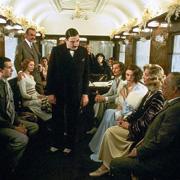 Что читать в самолете, в поезде: 20 лучших книг для путешественников