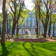 В подвалы Зимнего дворца, к эрмитажным котам: экскурсия в Санкт-Петербурге