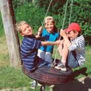Юлия Каспарова: Посвящение в туристы<br>Веселый праздник на природе для детей и родителей
