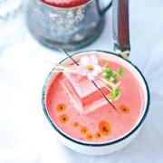 Малина и клубника – в напитках: рецепты киселя и коктейля