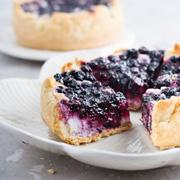 Два черничных пирога, рецепты: песочное тесто, разные начинки