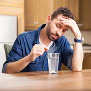 Мучает изжога, что выпить? Средства от изжоги: за и против