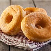 Пончики: история появления и простой рецепт