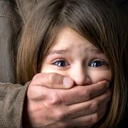 Как защитить детей от насилия? Воспитывать их «неудобными»