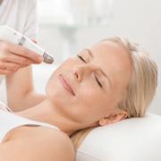 Аппаратная мезотерапия Dermadrop – введение гиалуроновой кислоты без уколов